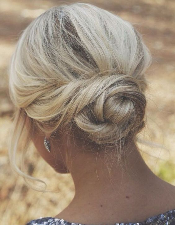 top coiffure violette sauvage