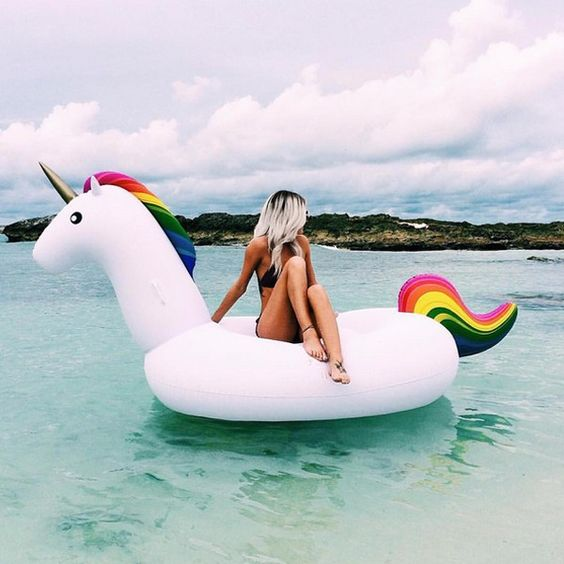 licorne gonflable plage