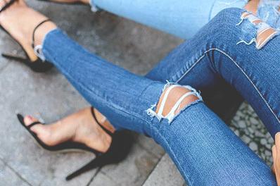 réparer un jean troué