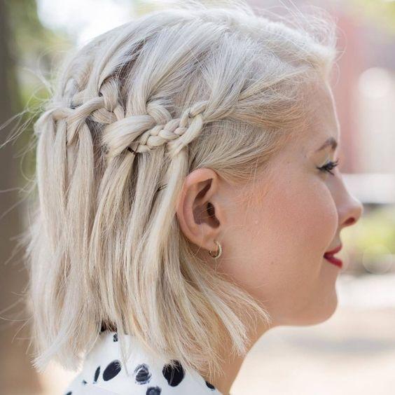 10 Idees De Coiffures Pour Cheveux Courts Et Mi Longs